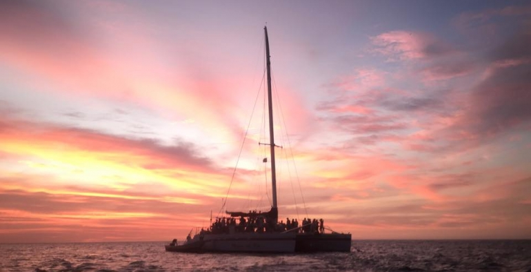 Catamaran snorkeling and sailing tour